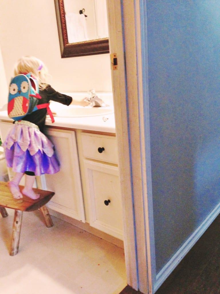 nena dressed up princess