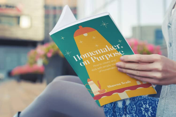 woman reading homemaker on purpose